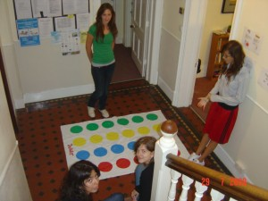 come and play twister - Kopya